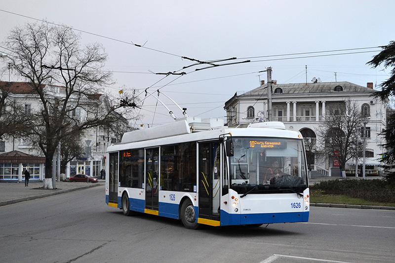 """В Севастополе """"тревожная кнопка"""" спасла водителя троллейбуса"""
