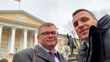 Александр Васильев и Александр Питиримов провели рабочую встречу в Смольном с вице-губернатором Эдуардом Батановым