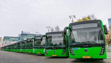 Благодаря дорожному нацпроекту на улицы Екатеринбурга до конца года выйдут 57 новых автобусов