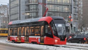 Благодаря нацпроекту на улицы Ижевска вышли 16 новых низкопольных трамваев