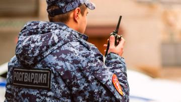 В Екатеринбурге сотрудники Росгвардии задержали подозреваемых в нападении на водителя трамвая