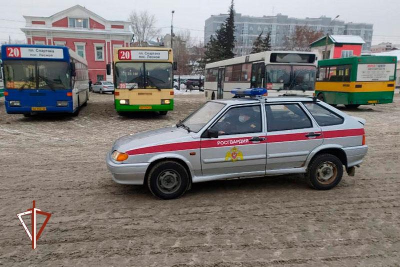 Росгвардия взяла под охрану общественный транспорт города Барнаула